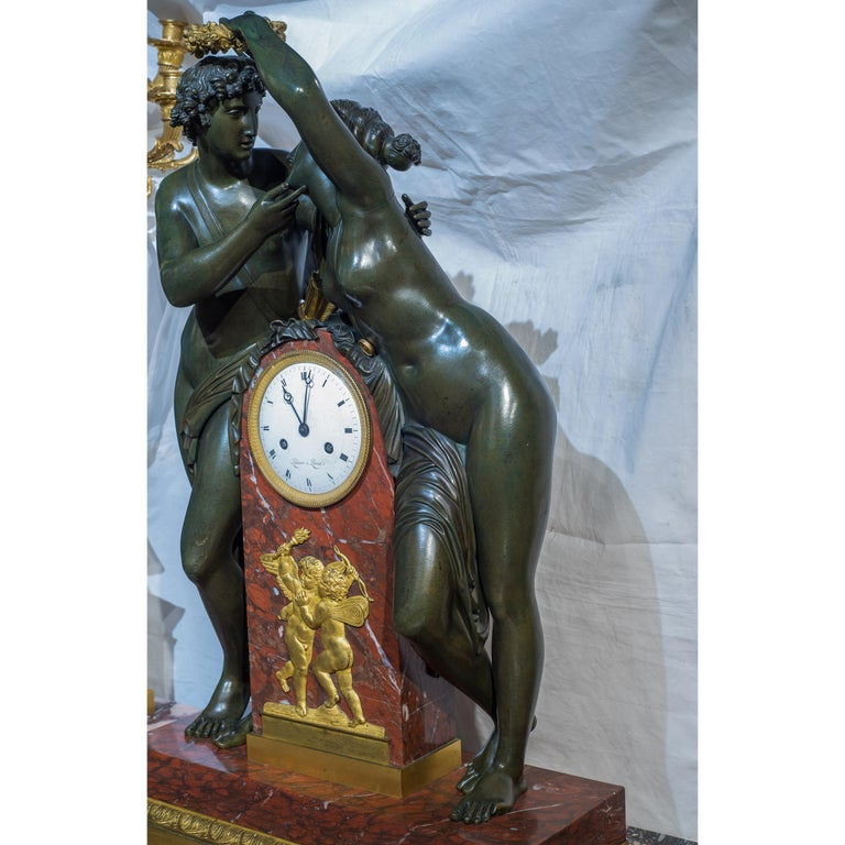 Early 19th Century Empire Ormolu-Mounted Bronze and Marble Mantel Clock In Good Condition For Sale In New York, NY