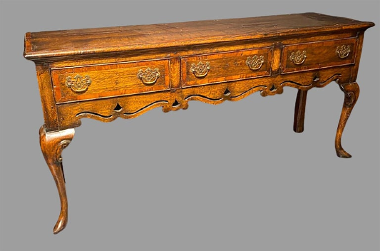 Early 19th Century English Hunt-Board or Sideboard In Good Condition In Stamford, CT