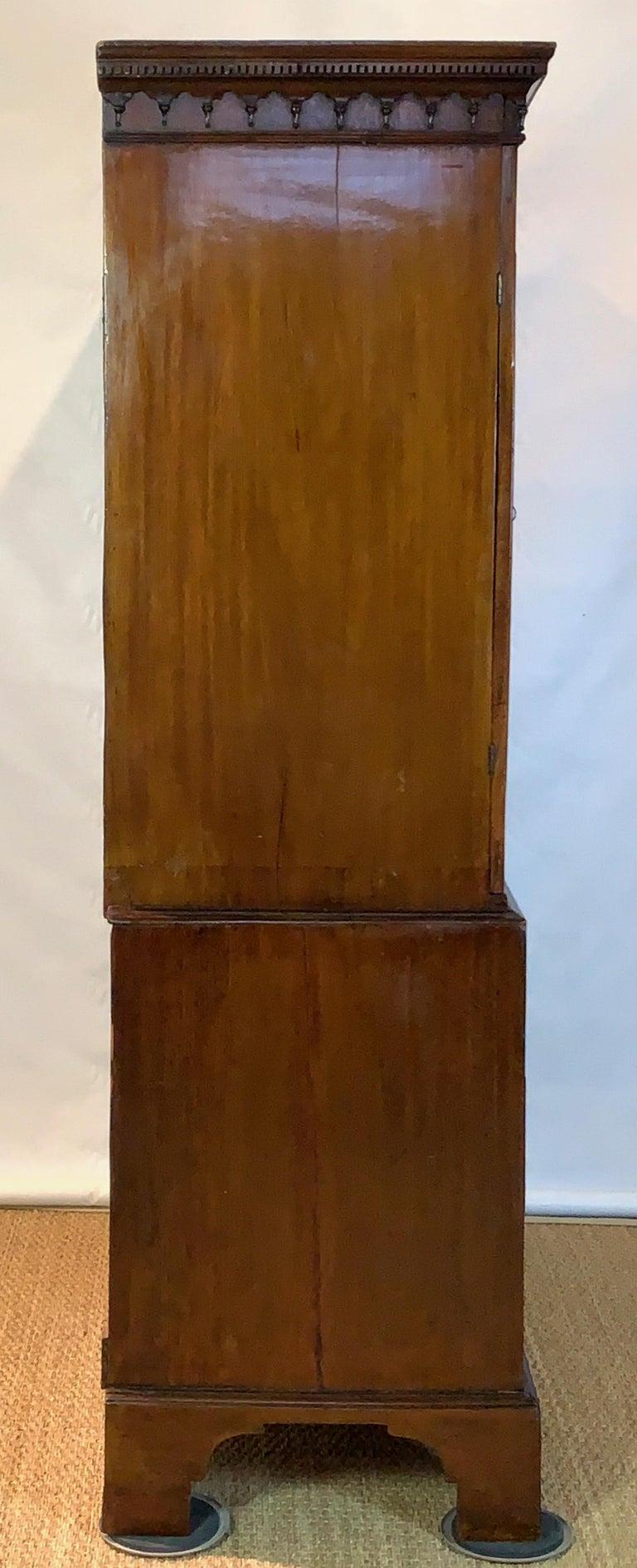 Early 19th Century English Mahogany Linen Press For Sale 2
