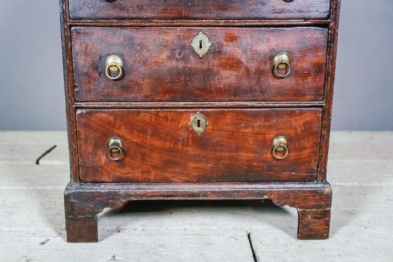 Early 19th Century English Vernacular Pine Bureau For Sale 7
