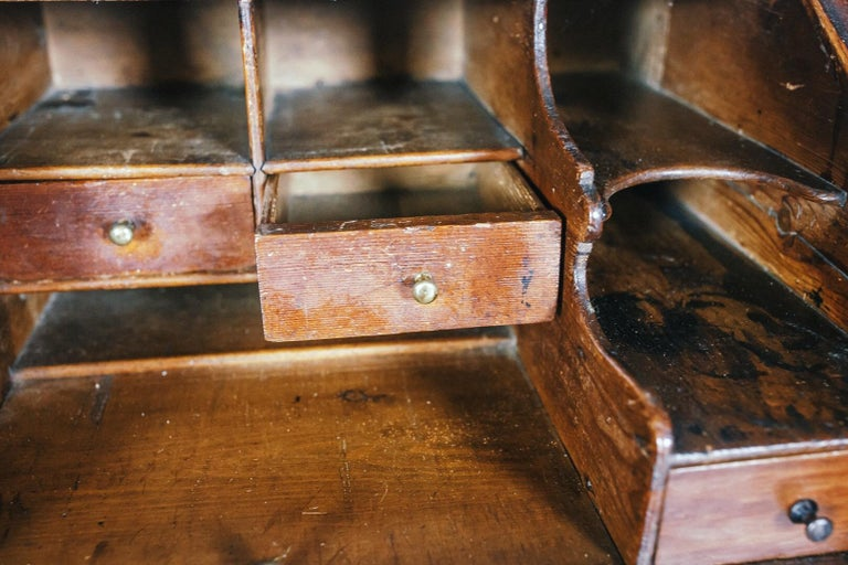 Early 19th Century English Vernacular Pine Bureau For Sale 8