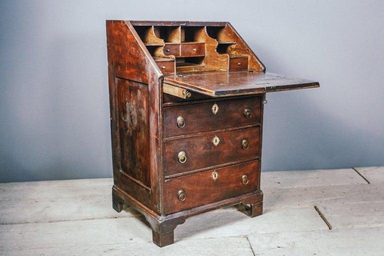 Early 19th Century English Vernacular Pine Bureau For Sale 11