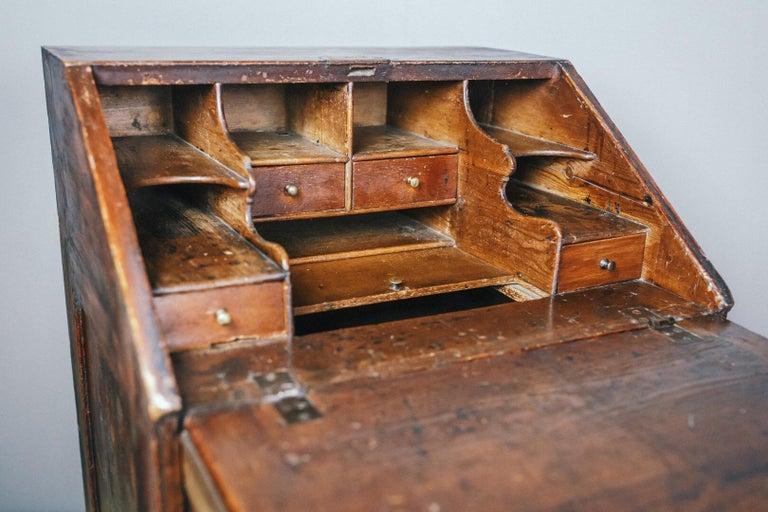 Early 19th Century English Vernacular Pine Bureau For Sale 12