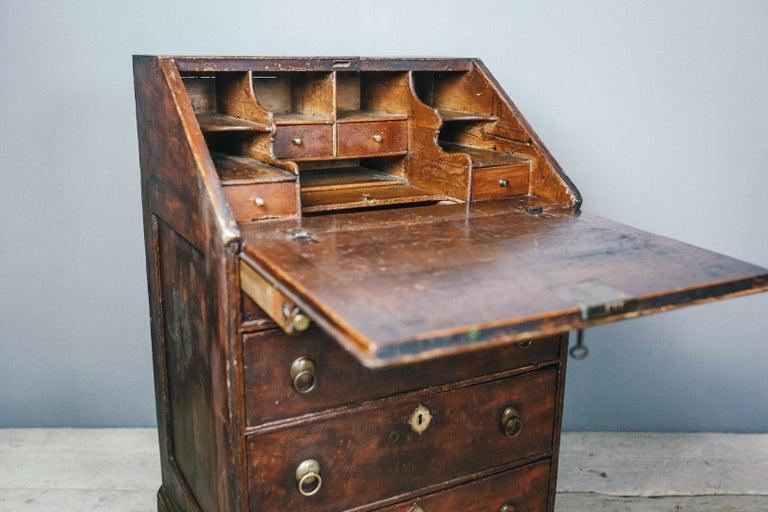 Early 19th Century English Vernacular Pine Bureau For Sale 13