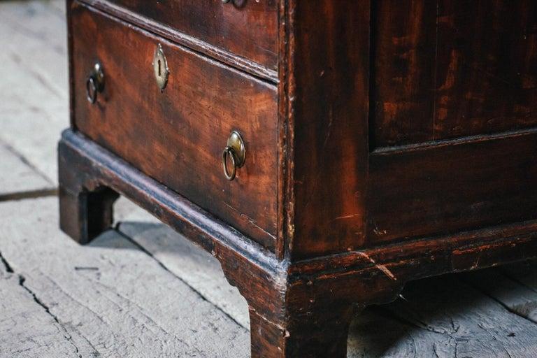Early 19th Century English Vernacular Pine Bureau For Sale 1