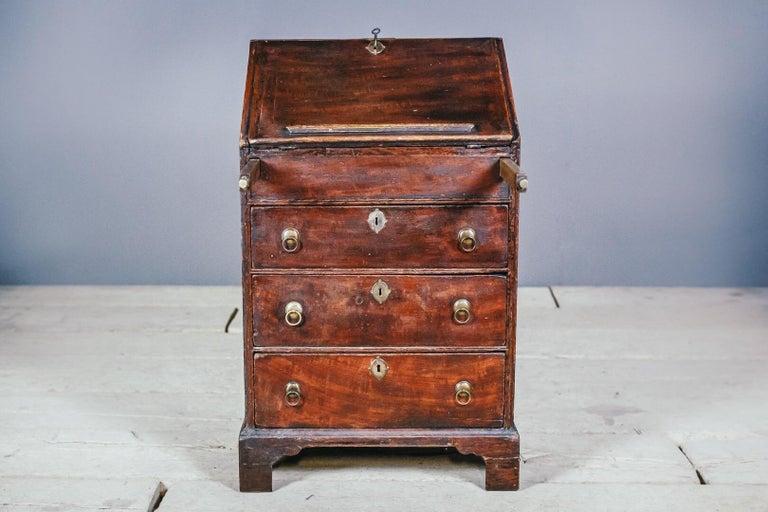 Early 19th Century English Vernacular Pine Bureau For Sale 3
