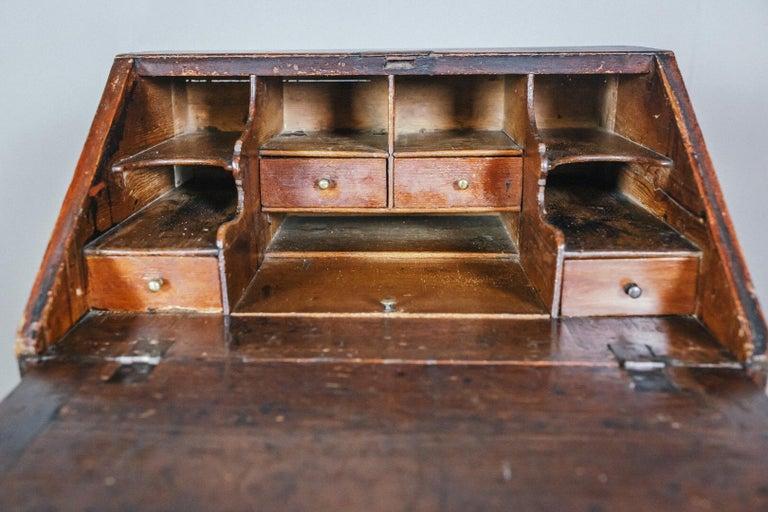 Early 19th Century English Vernacular Pine Bureau For Sale 6