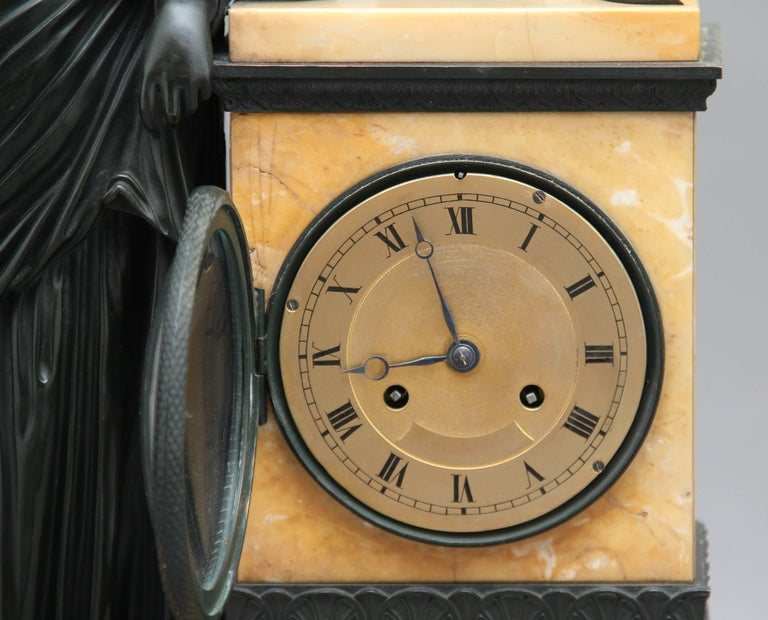 Early 19th Century French Bronze and Marble Mantel Clock For Sale 6
