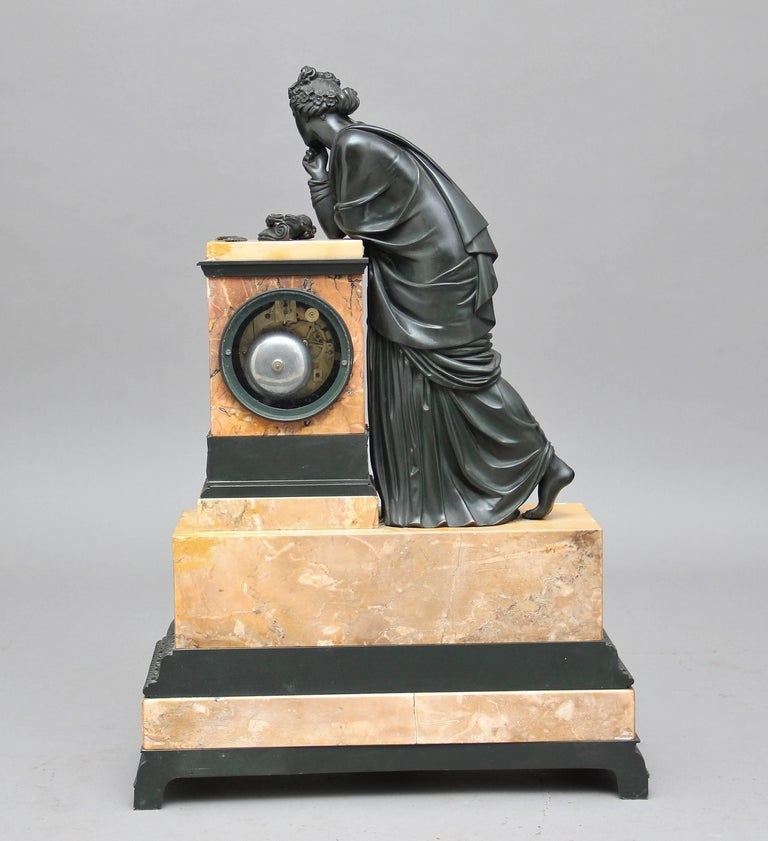 Early 19th Century French Bronze and Marble Mantel Clock For Sale 1