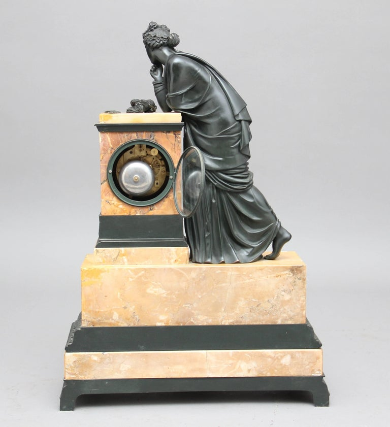 Early 19th Century French Bronze and Marble Mantel Clock For Sale 2
