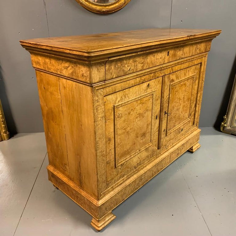Early 19th Century French Burr Ass Buffet Sideboard For Sale 3