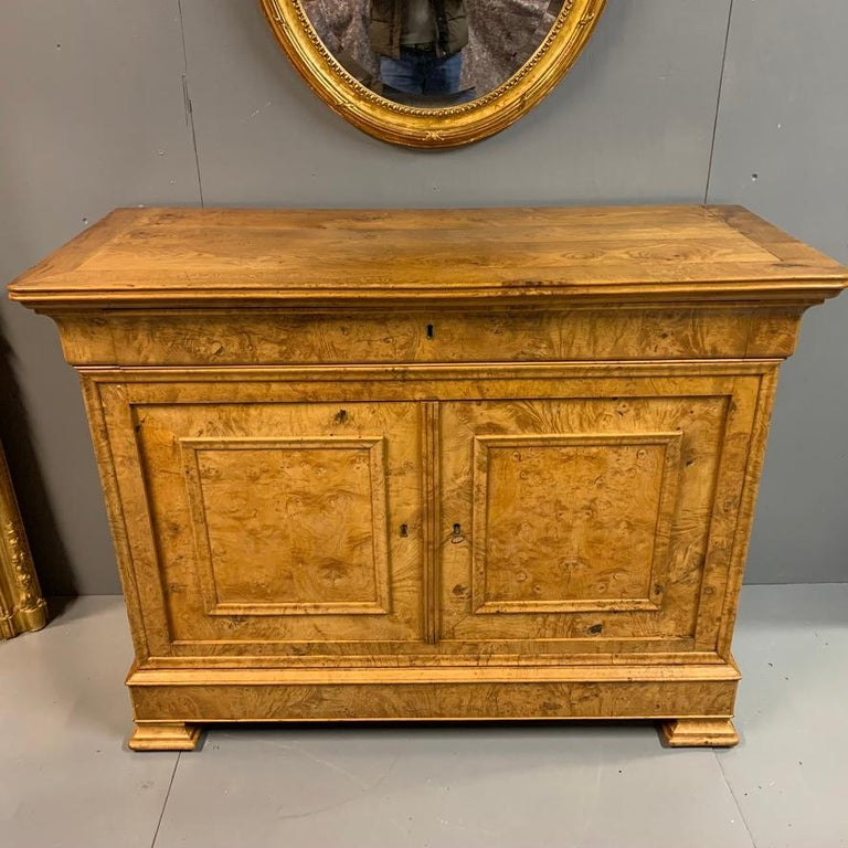 British Early 19th Century French Burr Ass Buffet Sideboard For Sale