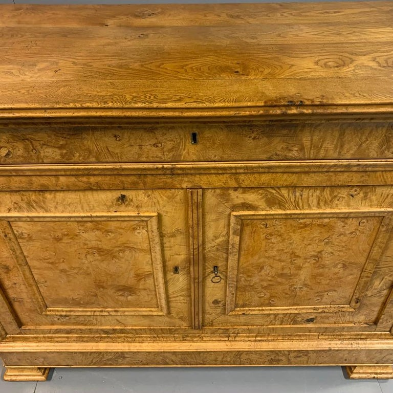 Mid-19th Century Early 19th Century French Burr Ass Buffet Sideboard For Sale