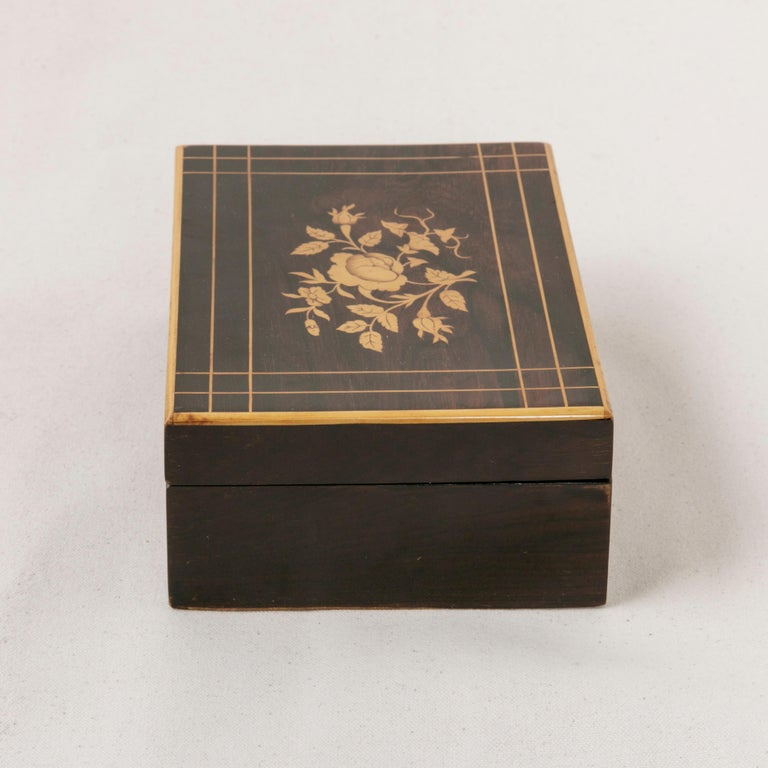 Early 19th Century French Charles X Palisander Sewing Box with Lemon Wood Inlay For Sale 1