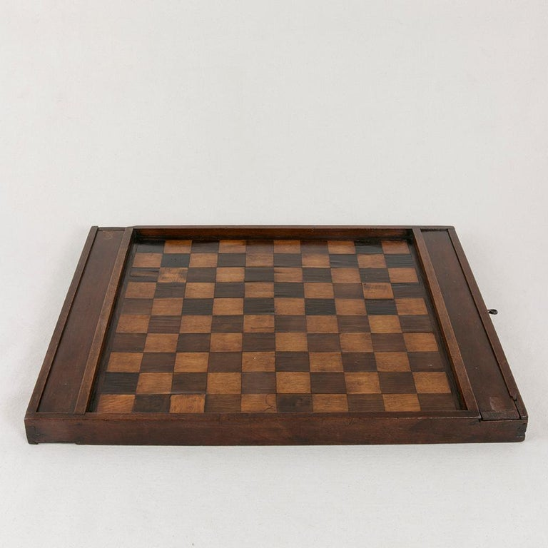 Early 19th Century French Double Sided Marquetry Game Box with Checker Pieces In Good Condition For Sale In Fayetteville, AR