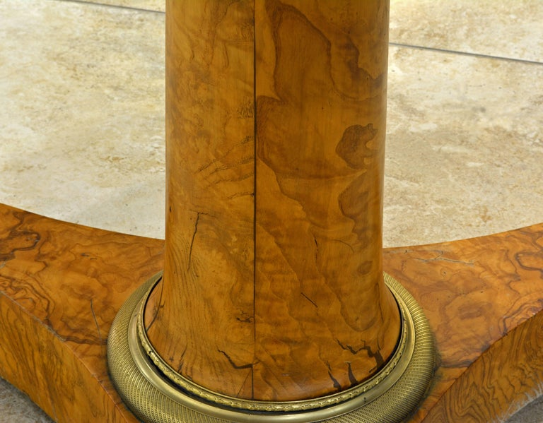 Early 19th Century French Empire Marble Top and Burl Wood Round Centre Table For Sale 1