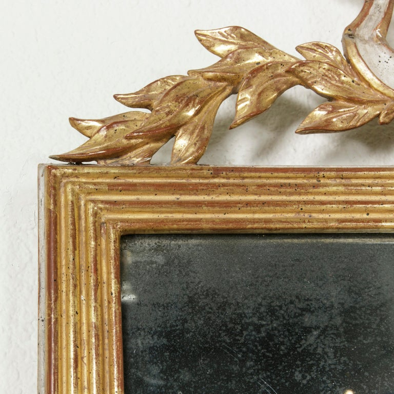 Early 19th Century French Empire Period Giltwood Mirror with Lyre and Garland For Sale 2