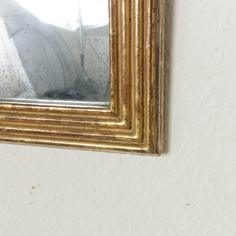 Early 19th Century French Empire Period Giltwood Mirror with Lyre and Garland For Sale 4