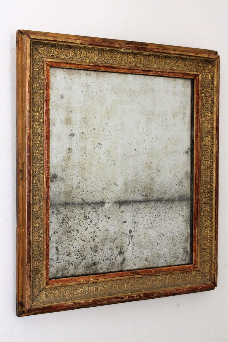 Early 19th Century French Empire Red and Gold Giltwood Rectangular Mirror For Sale 5