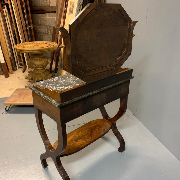 Early 19th Century French Mahogany and Marble-Top Dressing Table with a Drawer For Sale 6