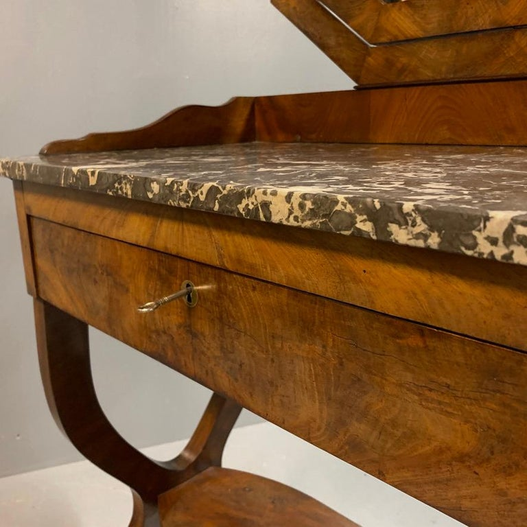 Early 19th Century French Mahogany and Marble-Top Dressing Table with a Drawer For Sale 1