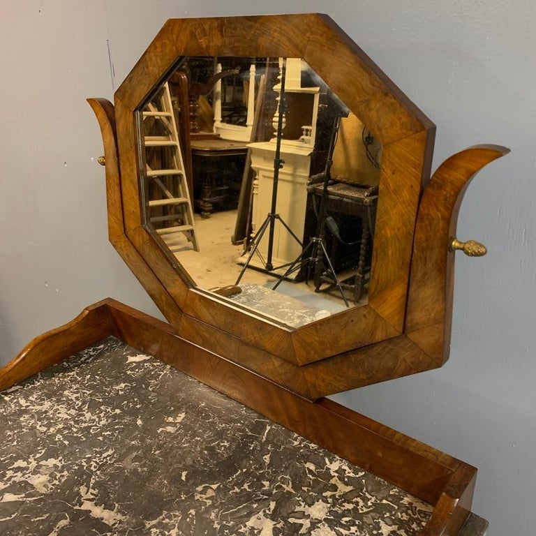 Early 19th Century French Mahogany and Marble-Top Dressing Table with a Drawer For Sale 2