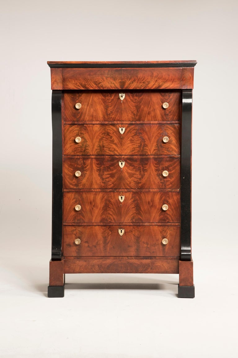 Empire Early 19th Century French Mahogany Wood Chest of Drawers For Sale
