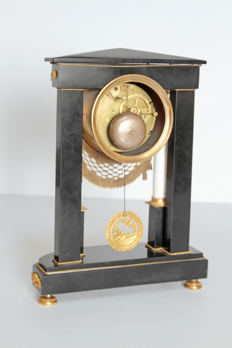 Early 19th Century French Neoclassic Clock In Good Condition For Sale In Dallas, TX
