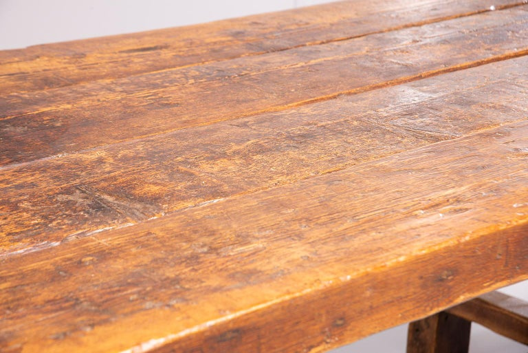 Early 19th Century French Oak Table For Sale 10