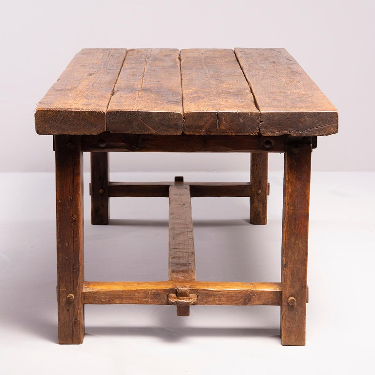 Early 19th Century French Oak Table For Sale 3