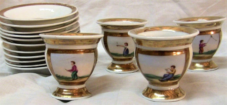 Early 19th Century French Old Paris Porcelain Tea and Chocolate Set For Sale 2