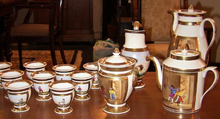 Early 19th Century French Old Paris Porcelain Tea and Chocolate Set For Sale 3