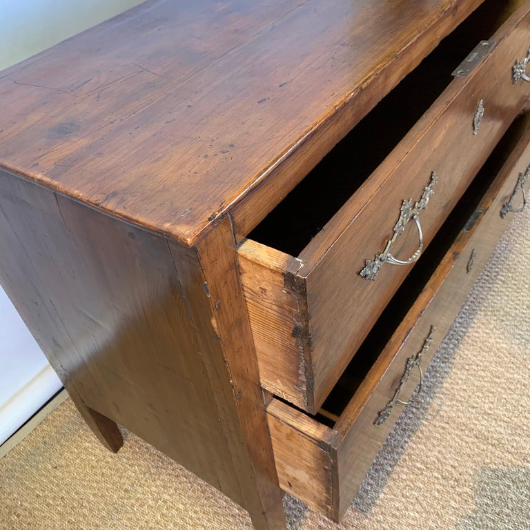 Early 19th Century French Two-Drawer Commode For Sale 4