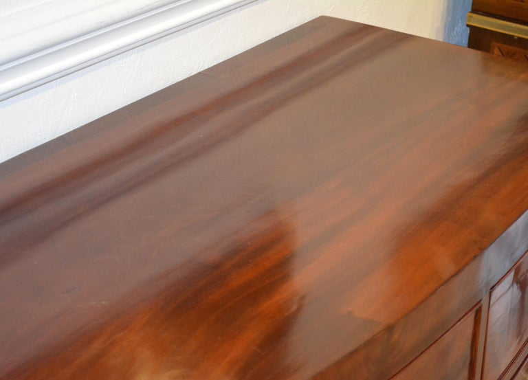 Early 19th Century George III Bow Front Caddy Top Mahogany Chest of Drawers 5