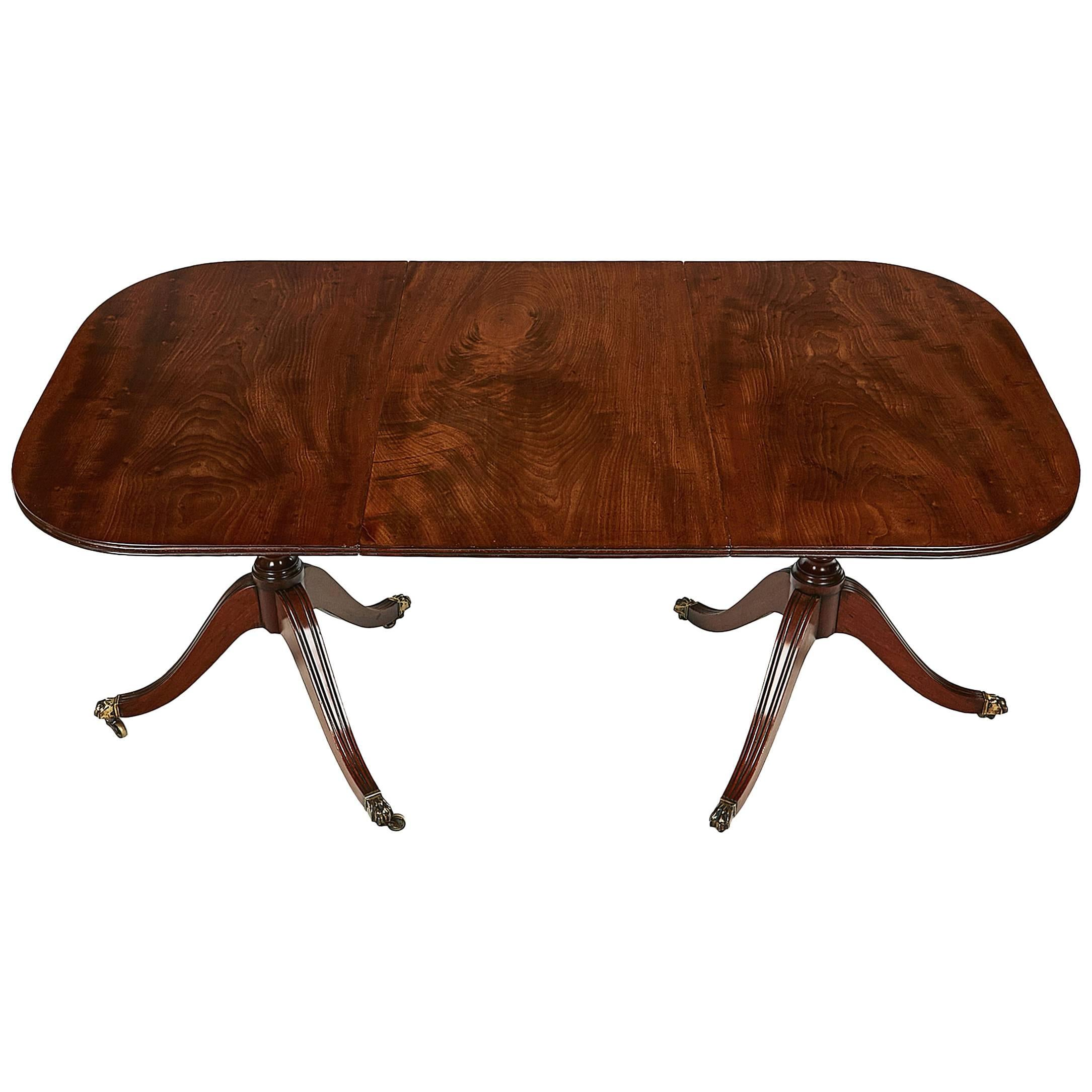 Early 19th Century George III Mahogany Table with One Expanding Leaf