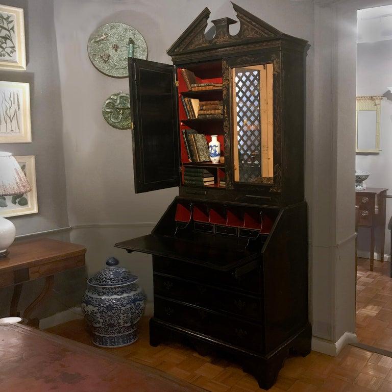 English Early 19th Century Georgian Chinoiserie Bureau Bookcase For Sale