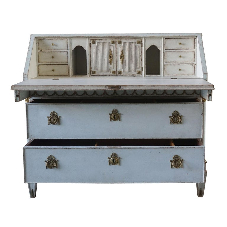 Pine Early 19th Century Gustavian Bureau or Writing Desk For Sale