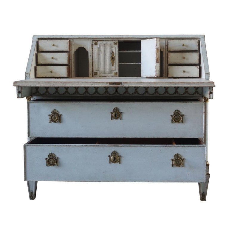 Early 19th Century Gustavian Bureau or Writing Desk For Sale 1