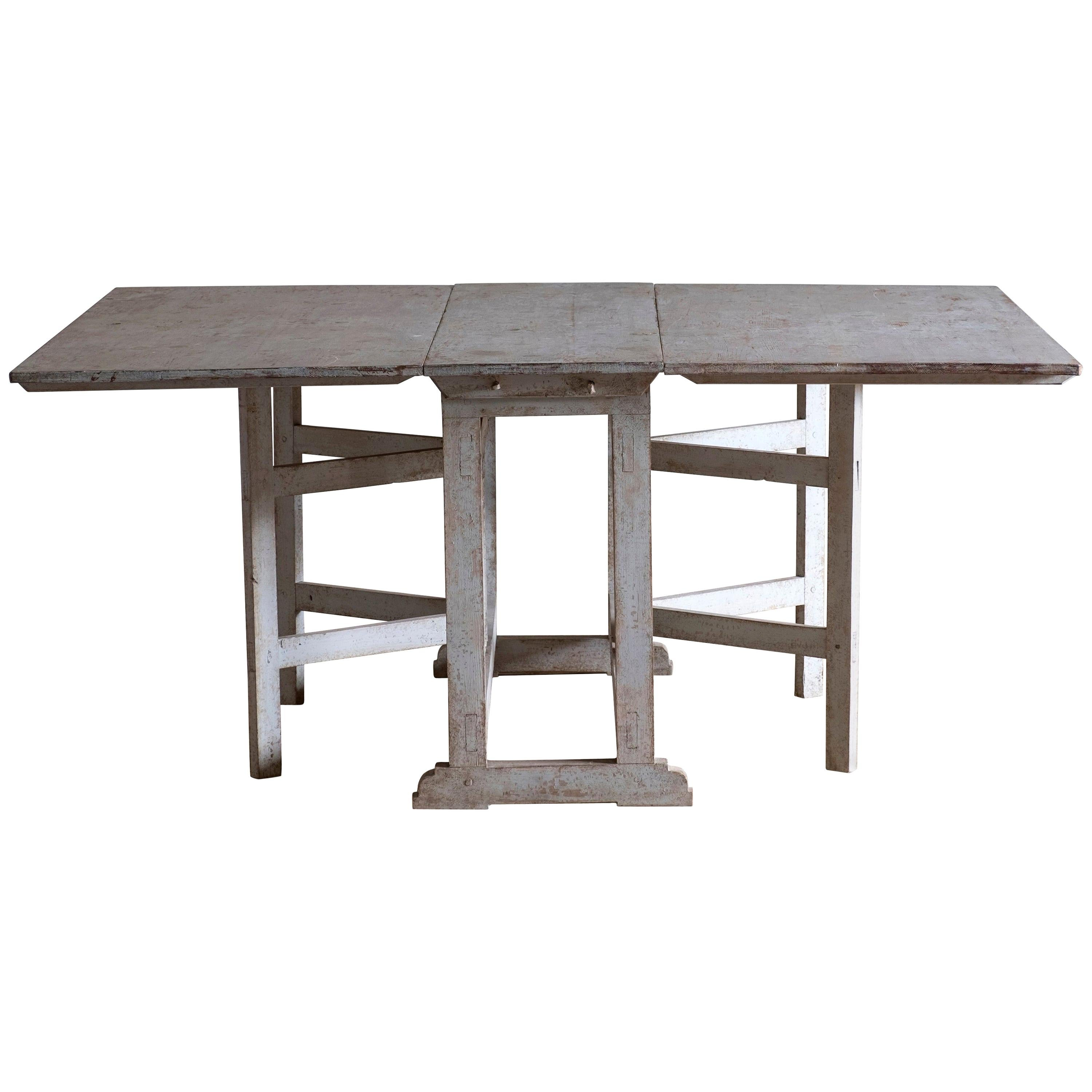 Early 19th Century Gustavian Drop-Leaf Table