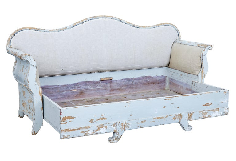Hand-Painted Early 19th Century Gustavian Painted Pine Sofa Bed For Sale