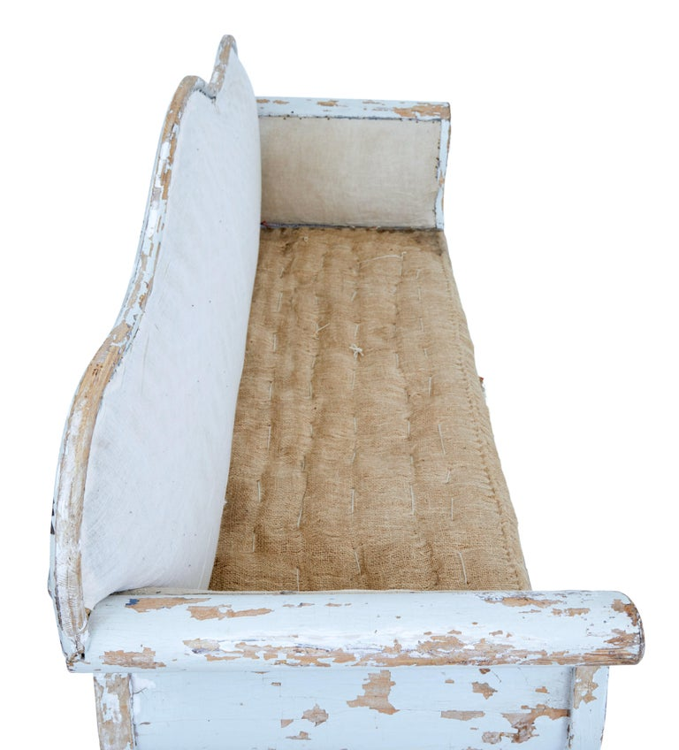 Early 19th Century Gustavian Painted Pine Sofa Bed For Sale 1