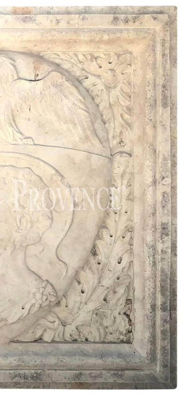 Early 19th Century Italian Crest in Biancone Marble For Sale 1