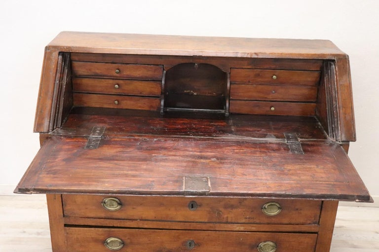 Early 19th Century Italian Empire Walnut Chest of Drawers with Secrétaire For Sale 2