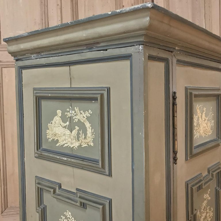 Early 19th Century Italian Neoclassical Painted Armoire For Sale 4