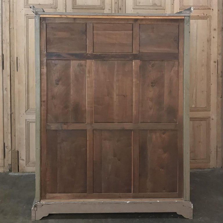 Early 19th Century Italian Neoclassical Painted Armoire For Sale 12