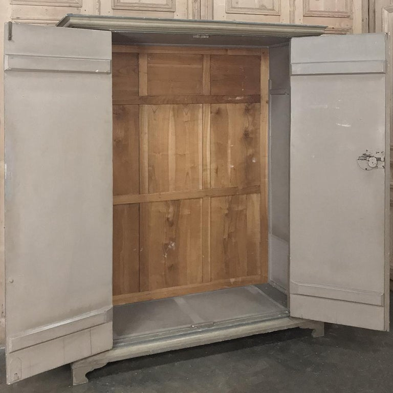 Mid-19th Century Early 19th Century Italian Neoclassical Painted Armoire For Sale