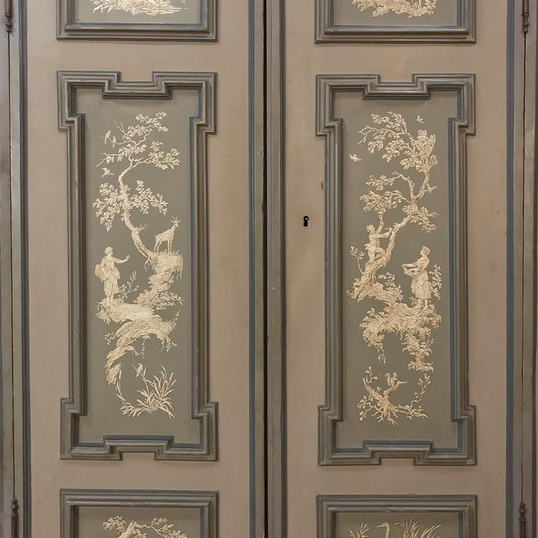 Early 19th Century Italian Neoclassical Painted Armoire For Sale 1