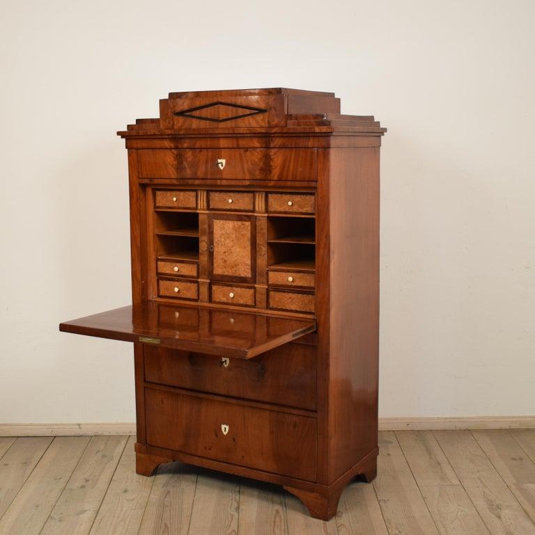 Early 19th Century Mahogany Empire Secretary In Good Condition For Sale In Berlin, DE