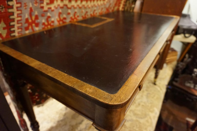 Early 19th Century Mahogany Gillows Lancaster Writing Desk on Casters For Sale 5