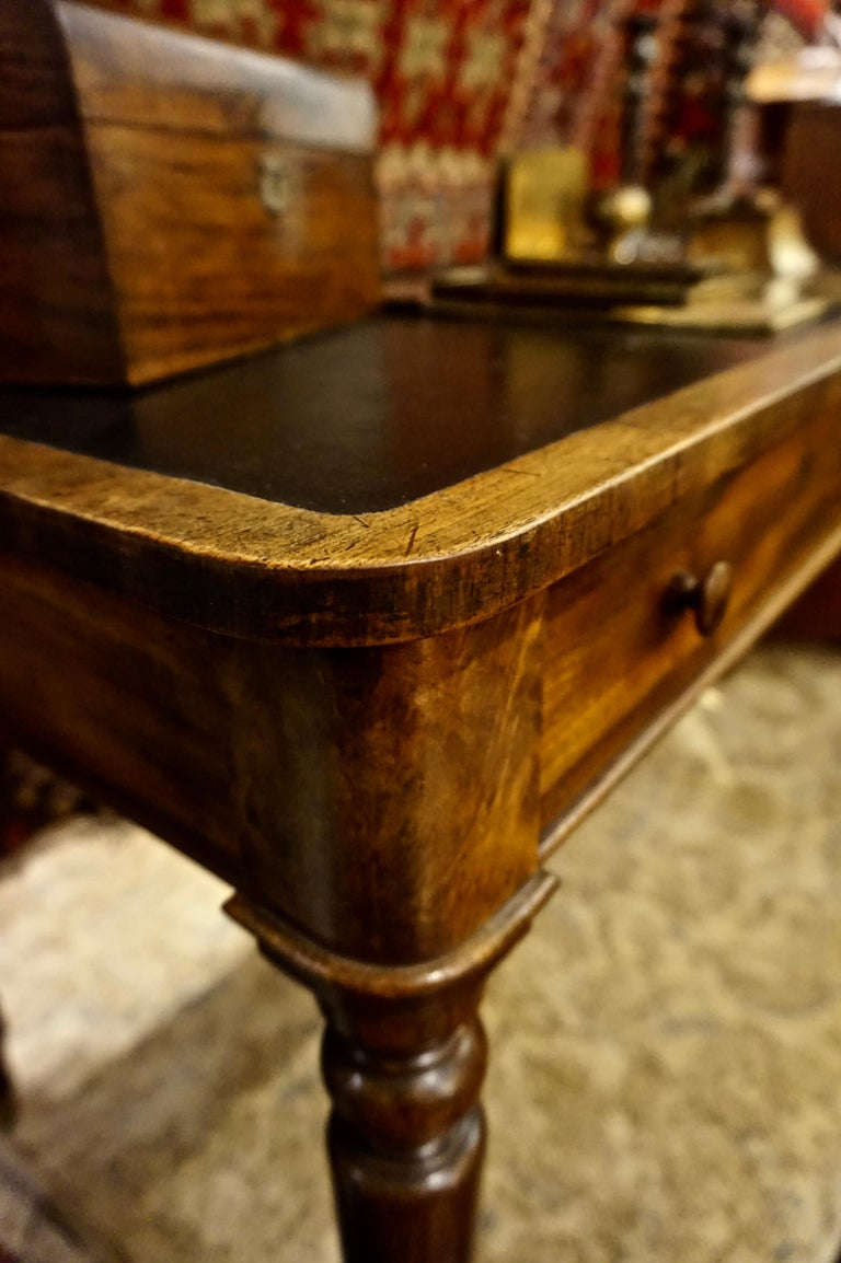 English Early 19th Century Mahogany Gillows Lancaster Writing Desk on Casters For Sale